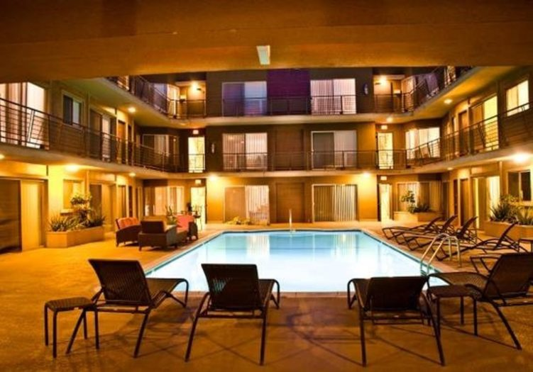 1155 Hacienda Place #209, West Hollywood, CA 90069